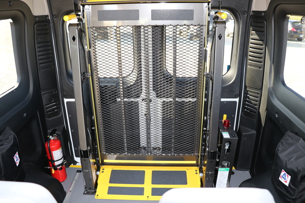 Rear Lift Dodge Promaster Wheelchair Accessible JE137902-7