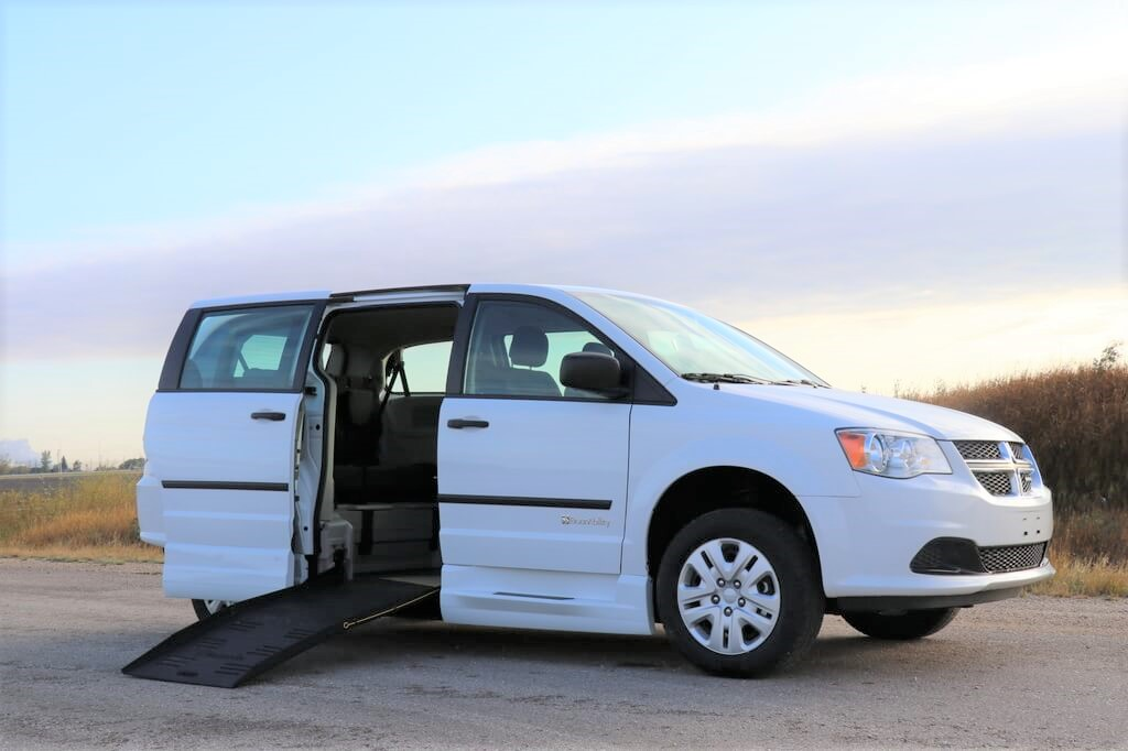 BraunAbility Side Entry Dodge Grand Caravan